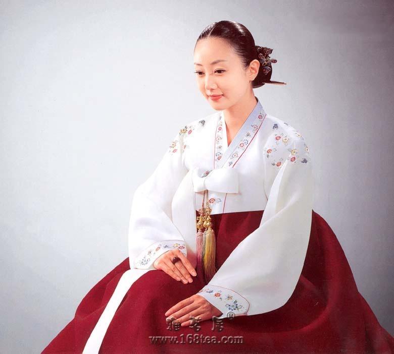 朝鲜丽人服装