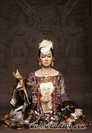 萨顶顶--《神香》中藏文版