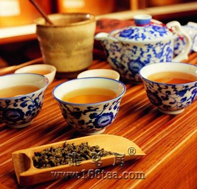 大连普洱茶消费两端走,惊现35.9万元/斤的天价普洱