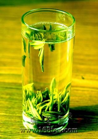 空腹喝绿茶对肠胃不好