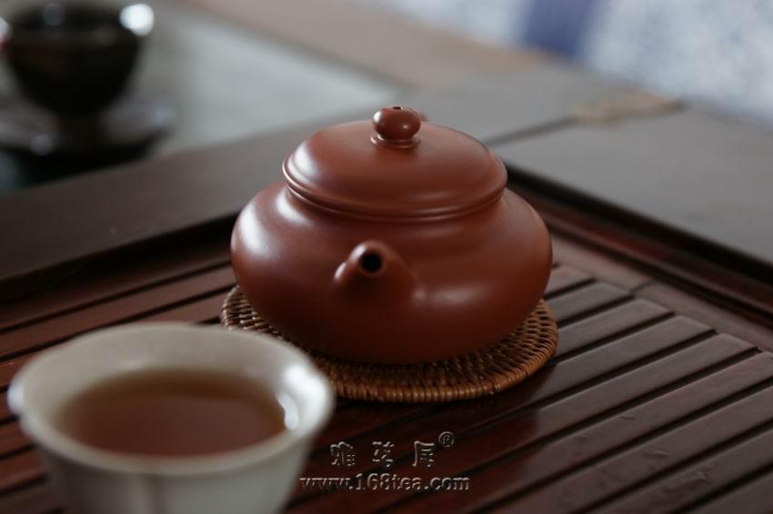 喝岩茶的小朱