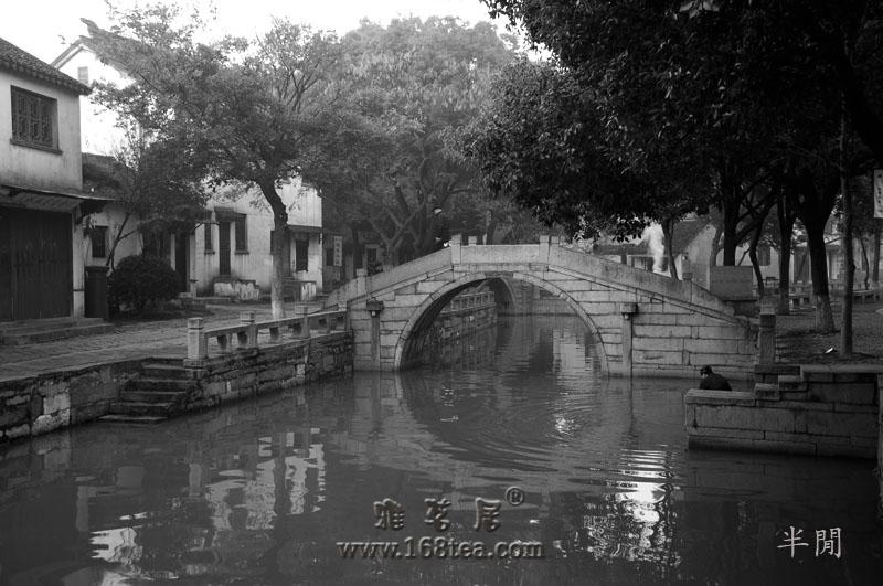 江南水乡小景——黑白图片