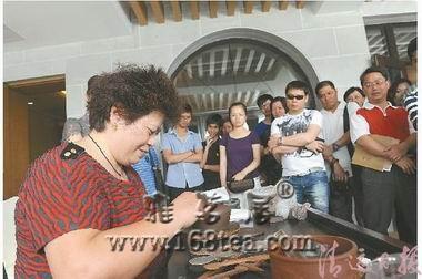 中国紫砂大师与清远人民零距离论紫砂文化