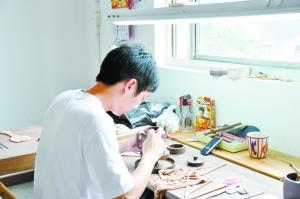 揭开紫砂精工口压发丝的画皮 专家称纯属炒作