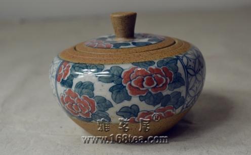 一个景德镇手绘茶叶罐,大家随评,呵呵....