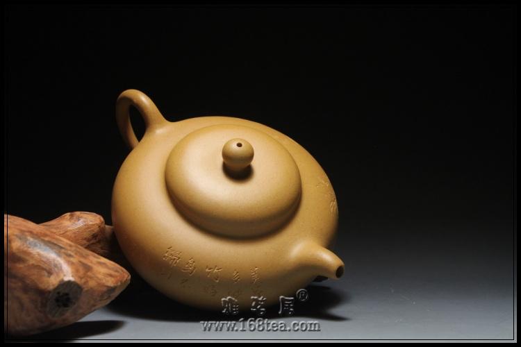 黄金段巨轮壶