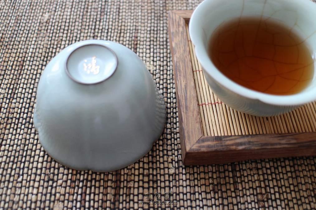 茶人爱茶也爱花
