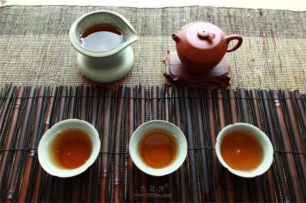 品茶有三乐,独乐不如众乐