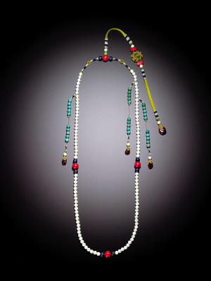 盘点香港苏富比春拍:内地买家热衷古董宝石(图)