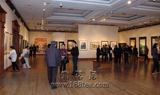 《江南城色——长三角地区书画名家迎世博作品展》在上海刘海粟美术馆展出