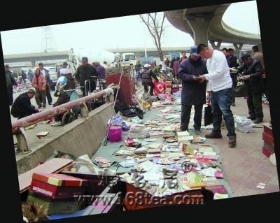哈市上千人从事古旧图书买卖 月入最高过万(图)
