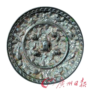 铜镜收藏策略:纹饰清晰度是关键