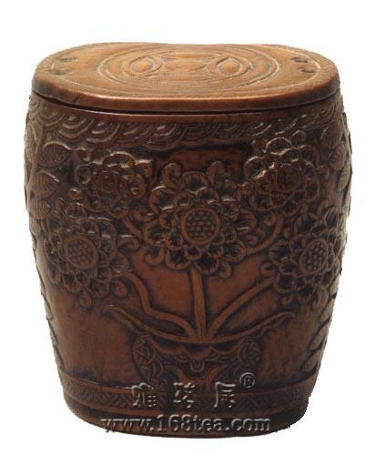 黄杨木花卉纹小罐浮雕