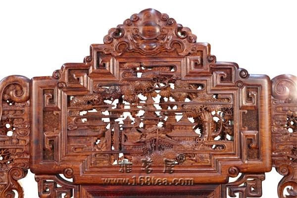 中国公益拍卖上海行 原创红木家具拍出1.8亿