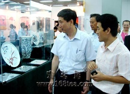 北京国际艺博会海瓷艺术品获好评如潮