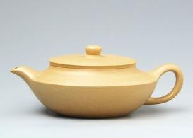 世间茶具称为首 紫砂茶壶升值快