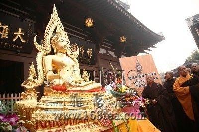 四川寺庙首次供奉泰国诗琳通公主所赠佛像