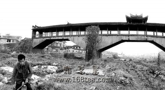 全国重点文物世界桥梁活化石余庆桥被烧毁