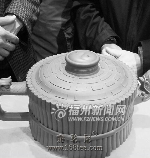 【榕城·88万】88万元紫砂壶亮相榕城 吸引爱好者关注