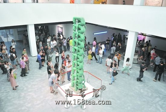 25位名家作品亮相 成都当代美术馆开馆