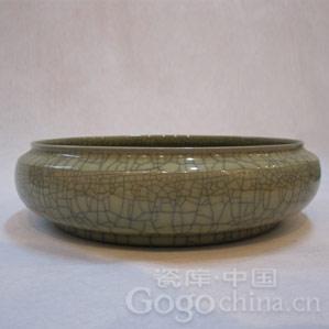 五代耀州窑青瓷圈足的修足特点