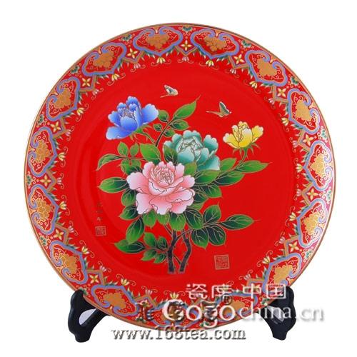 中国红瓷造就非凡价值