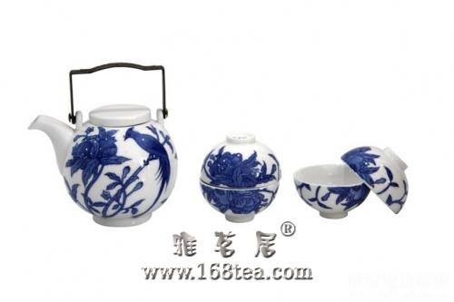 淡雅青花瓷茶具 瓷清新茶香溢