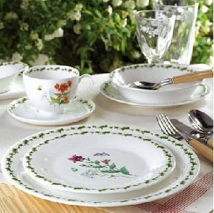 收藏现代瓷器艺术于餐桌
