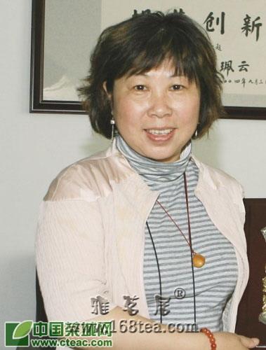 作家王旭烽:面朝湖水,茶花徐开(图)