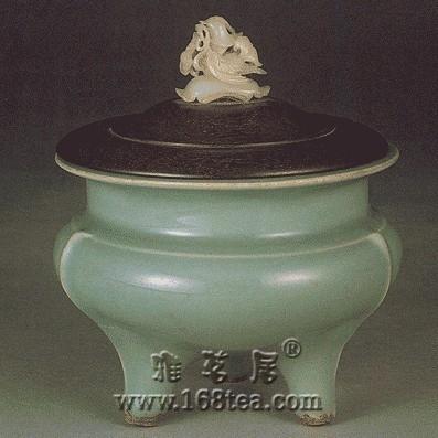 宋龙泉窑瓷器的胎釉