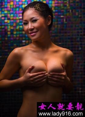 乳房的自检方法