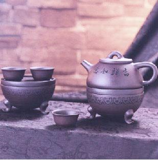 紫砂壶诗文的雅趣