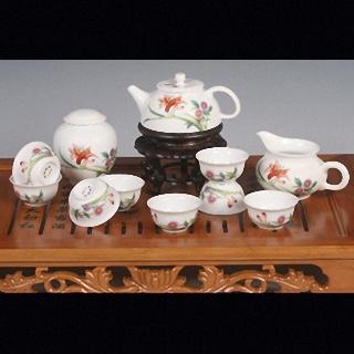 白瓷茶具的清洗方法