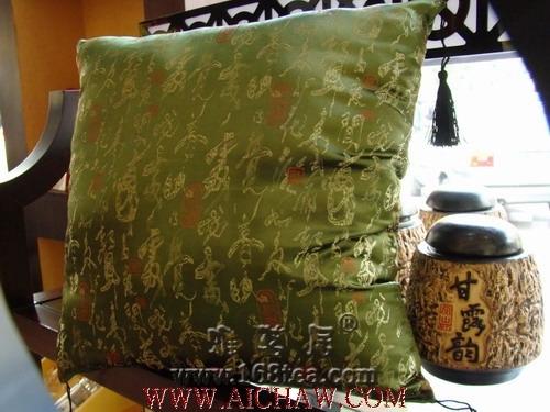 精美的茶叶制作成的枕头