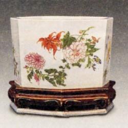 雍正粉彩瓷的彩绘有什么特点?—瓷器问答第七十二问