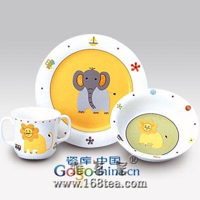 给宝宝选购儿童餐具的方法