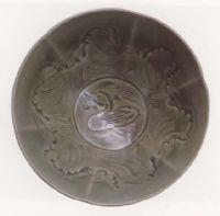 名瓷欣赏—宋耀州窑青釉刻海水鸭纹碗