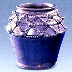 名瓷欣赏—越窑青釉绳索纹罐