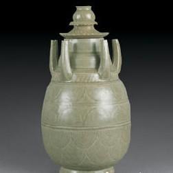 名瓷欣赏—北宋 龙泉窑淡青釉刻覆仰莲瓣纹五管瓶