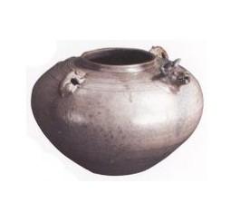 名瓷欣赏—青釉羊头鼠系罐