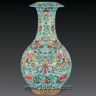 名瓷欣赏—清嘉庆绿地粉彩福寿吉庆图折口瓶