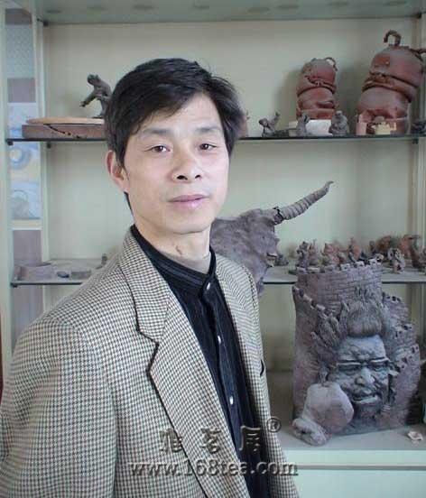 蒋才源高级工艺美术师