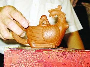 紫砂凤凰壶,彰显历史沧桑