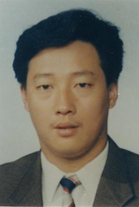 李铭助理工艺美术师