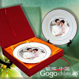 对于结婚礼物的选择应该富有创新的元素