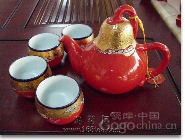 中国人喝茶讲究大雅之道,茶室四宝是泡壶好茶必不可少的条件