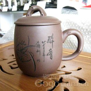 紫砂壶博大精深的文化内涵是深得天下茶客追捧与喜爱的重要因素
