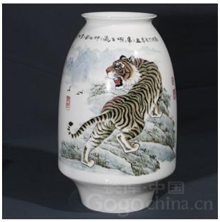 现代艺术瓷器如何收藏鉴赏(二)