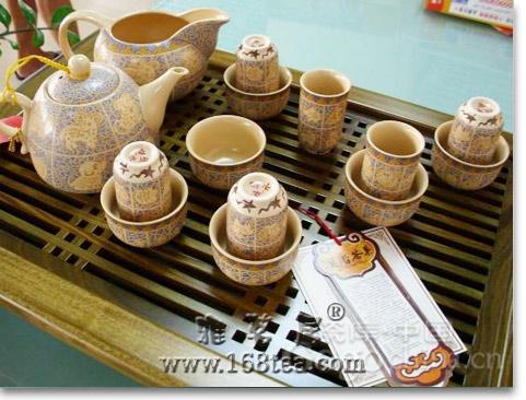 紫砂茶具不是光以材质取胜,更有自己的工艺做铺垫
