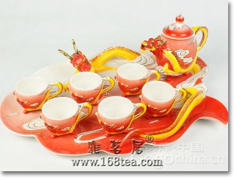 紫砂茶具鲜明的特征,在龙年礼品中表现出众